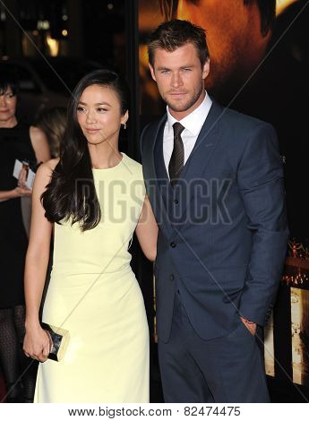 LOS ANGELES - JAN 08:  Tang Wei & Chris Hemsworth arrives to the