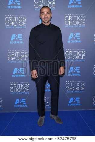 LOS ANGELES - JAN 16:  Jesse Williams arrives to the Critics' Choice Awards 2015  on January 16, 2015 in Hollywood, CA