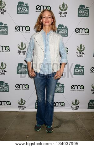 LOS ANGELES - JUN 11:  Laura Regan at the Give Back Day to Celebrate National Park Service Centennial at the Franklin Canyon Park on June 11, 2016 in Beverly Hills, CA