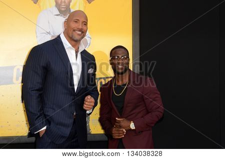LOS ANGELES - JUN 10:  Dwayne Johnson, Kevin Hart at the Central Intelligence Los Angeles Premiere at the Village Theater on June 10, 2016 in Westwood, CA