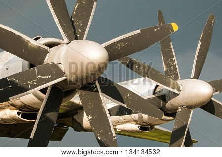Tupolev Tu-142, Soviet era maritime reconnaissance and anti-submarine warfare aircraft,  propeller detail