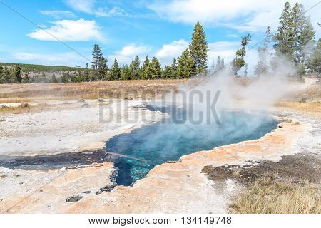 Ojo Caliente hot spring in Yellowstone National Park - the warmest hot spring in Yellowstone