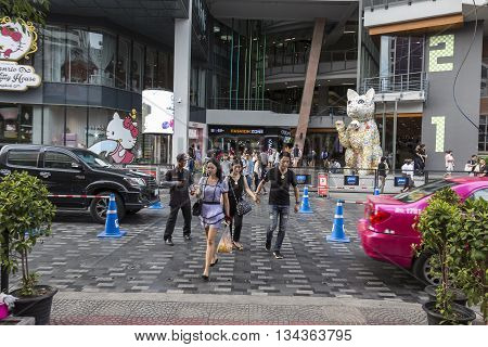 BANGKOK THAILAND - MAY 29 : unidentified people walk across crosswalk at Siam Square One in siam square on may 29 2016 thailand. siam square is famous shopping place of Bangkok