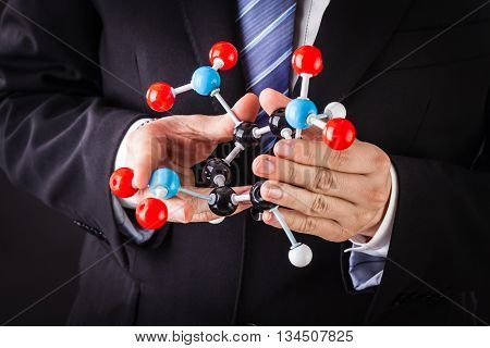 Showing A Tnt Molecular Structure