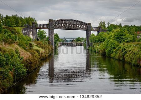 The Thelwall Viaduct is a steel composite girder viaduct in Lymm Warrington England.