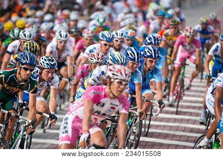 Kuala Lumpur, Malaysia : 15th February 2009 International Cyclists Compete In The Final Stage Of Tou