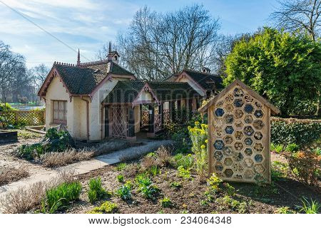 Ducks Island Cottage