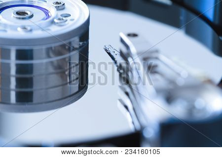 Hard Disk Drive Inside Close-up, Spindle, Actuator Arm, Read Write Head, Platter