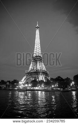 Paris, France-september 23, 2017 : Eiffel Tower With Illumination At Night In Paris, France. Romanti