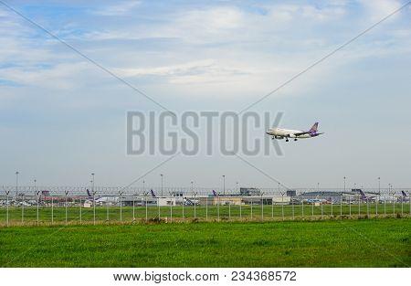 Bangkok, Thailand - July 30, 2017: Thai Airways Plane(boeing 777) Landing To Runways At Suvarnabhumi