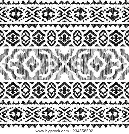Ethnic Seamless Pattern. Tribal Stripe Illustration. Endless Texture In Black And White Colors. Beau