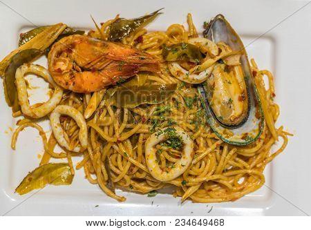 The Fresh Spaghetti Pasta With Seafood In Dish