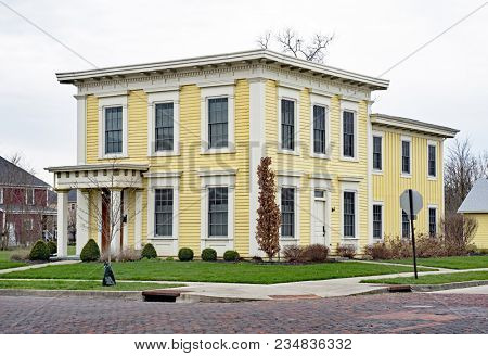 Old Yellow Italianate Square House