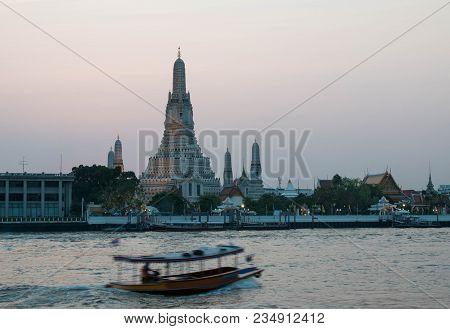 Bangkok, Thailand - 10 February 2018 : Wat Arun Temple, One Of Landmark Chao Phraya River In Bangkok