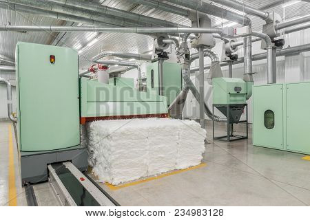 Carding Machine In Textile Factory