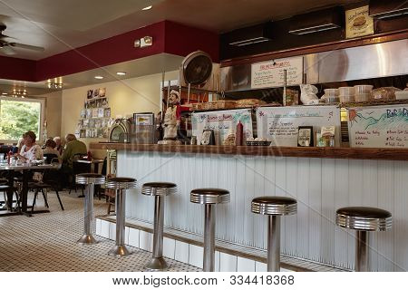 Manchester, Vermont - October 1st, 2019: Interior Of Bobs Diner, A Classic New England Diner In Manc