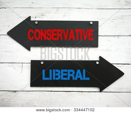Left and right arrow sign for conservative and liberal