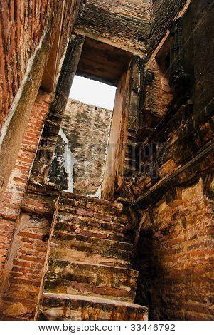 broken Thai brick in ancient temple door