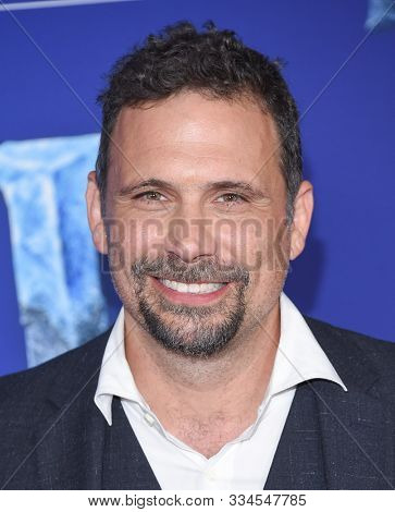 LOS ANGELES - NOV 07:  Jeremy Sisto arrives for the 'Frozen II' Premiere on November 07, 2019 in Hollywood, CA