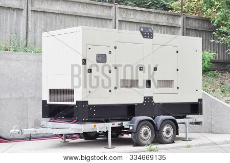Backup Generator On The Trailer. Mobile Backup Generator .standby Generator - Outdoors Power Equipme