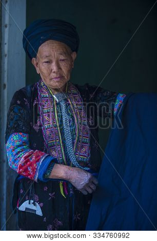 Dong Van , Vietnam - Sep 16 : Woman From The Black Hmong In A Village Near Dong Van In Vietnam On Se