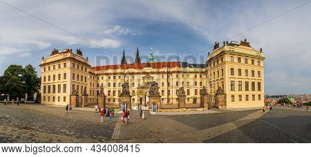 Prague, Czech Republic - 08 12 2021: Hradcany Square With Matthias Gate, The Main Entrance To The Fi
