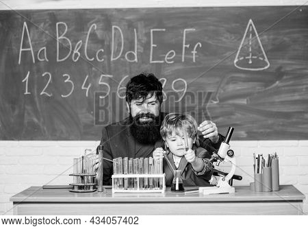 Teacher Child Test Tubes. Chemical Experiment. Genius Minds. Signs Your Child Could Be Gifted. Speci