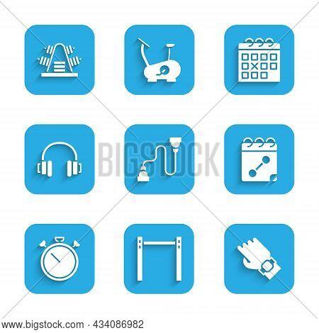 Set Chest Expander, Horizontal Bar, Smart Watch Hand, Calendar Fitness, Stopwatch, Headphones, And M
