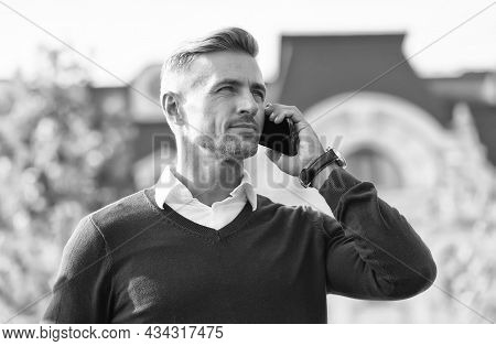 Listening. Call Partner. Mobile Negotiations. Business Communication. Online Communication. Modern C