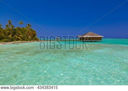Spa saloon on Maldives island - nature travel background