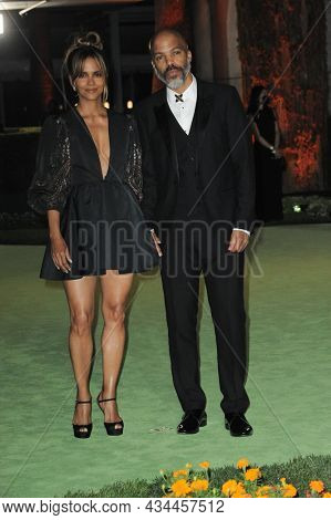 Halle Berry and Van Hunt at the Academy Museum of Motion Pictures Opening Gala held at the Academy Museum of Motion Pictures in Los Angeles, USA on September 25, 2021.
