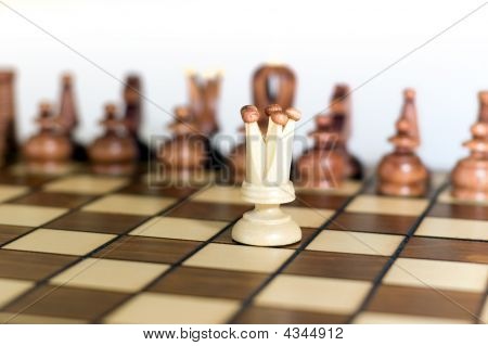 Chess queen alone
