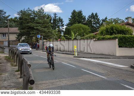 Bourgoin-jallieu, France - 07, May, 2017: The Italian Cyclist Enrico Battaglin Of Team Lottonl-jumbo
