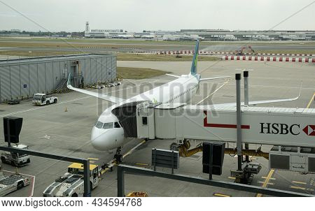 Heathrow, England, September 10 2021: Airplane From Aer Lingus At London Heathrow Airport Lhr, The M