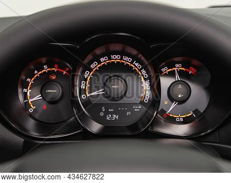 Novosibirsk, Russia - August   31, 2021:   Lada  Vesta, Sign And Symbol On Car Dashboard. Car Speedo