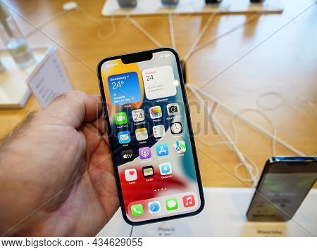 Paris, France - Sep 24, 2021: Display Of Iphone 13 Pro And Max With Promotion 120 Hz At The Apple St