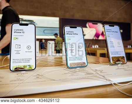 Paris, France - Sep 24, 2021: Retina Display With Promotion 120 Hz On Iphone 13 Pro And Max Versions