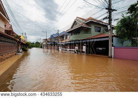20,sep,2021,lopburi Thailand,houses In Thailand Flooded By Wild Water As A Storm Known As