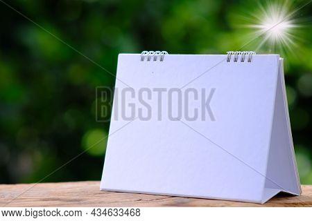 Calendar On Green Background, Business Plan, Management Plan, Agenda, Annual, Appointment, Backgroun