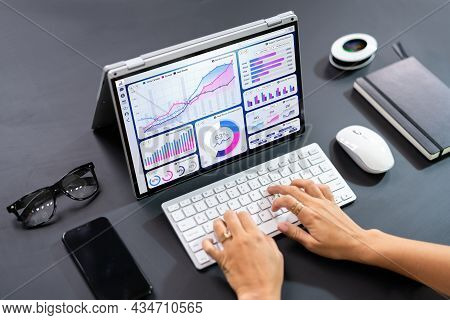 Digital Data Technology. Kpi Business Dashboard Technology