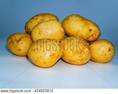 Solanum Tuberosum Vegetable Agricultural Crop. Potato Tubers. Raw Vegetable. Healthy Eating. Agricul
