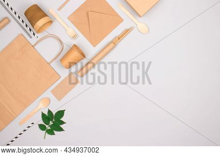 Eco-friendly Tableware - Kraft Paper Food Packaging On Light Gray Background With Copy Space. Street