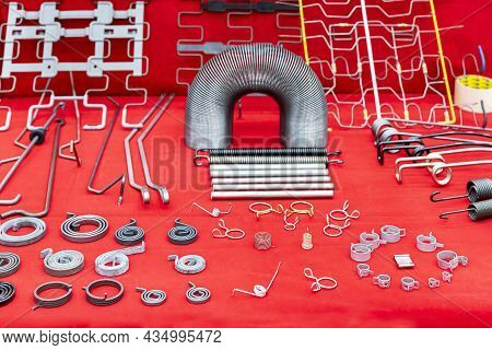 Various Type Metal Extension Compressing Torsion Clip And Constant Force Spring Etc. Equipment Or Pa