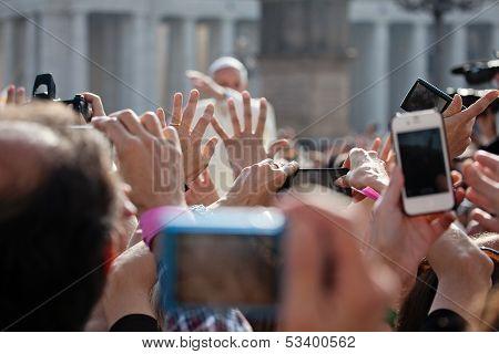 Pope Francis I Blesses The Faithful