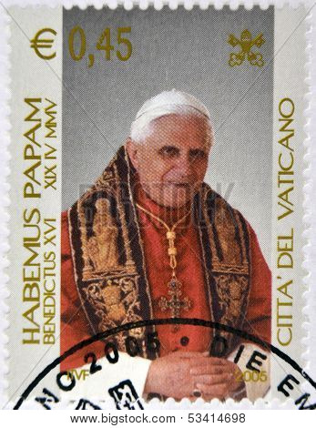 VATICAN - CIRCA 2005: A stamp printed in Vatican shows Pope Benedict XVI Habemus Papam circa 2005