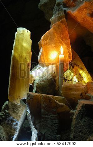 Cave gypsum plate