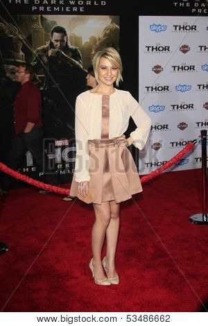 LOS ANGELES - NOV 4:  Chelsea Kane at the Thor: The Dark World' Premiere at El Capitan Theater on November 4, 2013 in Los Angeles, CA
