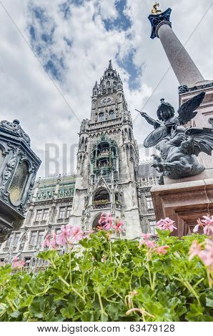 Neues Rathaus Carillion In Munich, Germany
