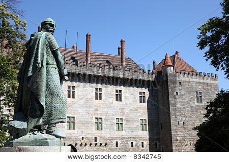Guimaraes Castle And Statue