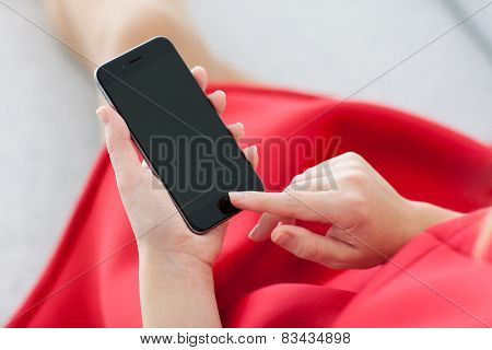 Woman Holding iPhone 6 Space Gray In The Hand
